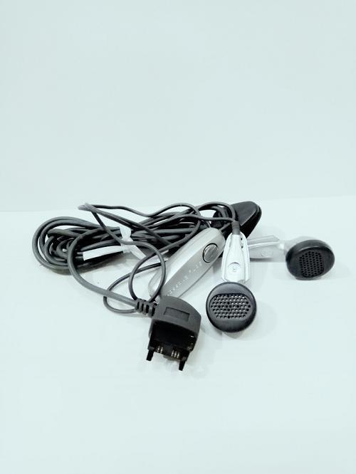 Handsfree Hf Headset Sony Ericsson Jadul Colokan Kecil K700 T28 T230 T100 dll - Foto Asli