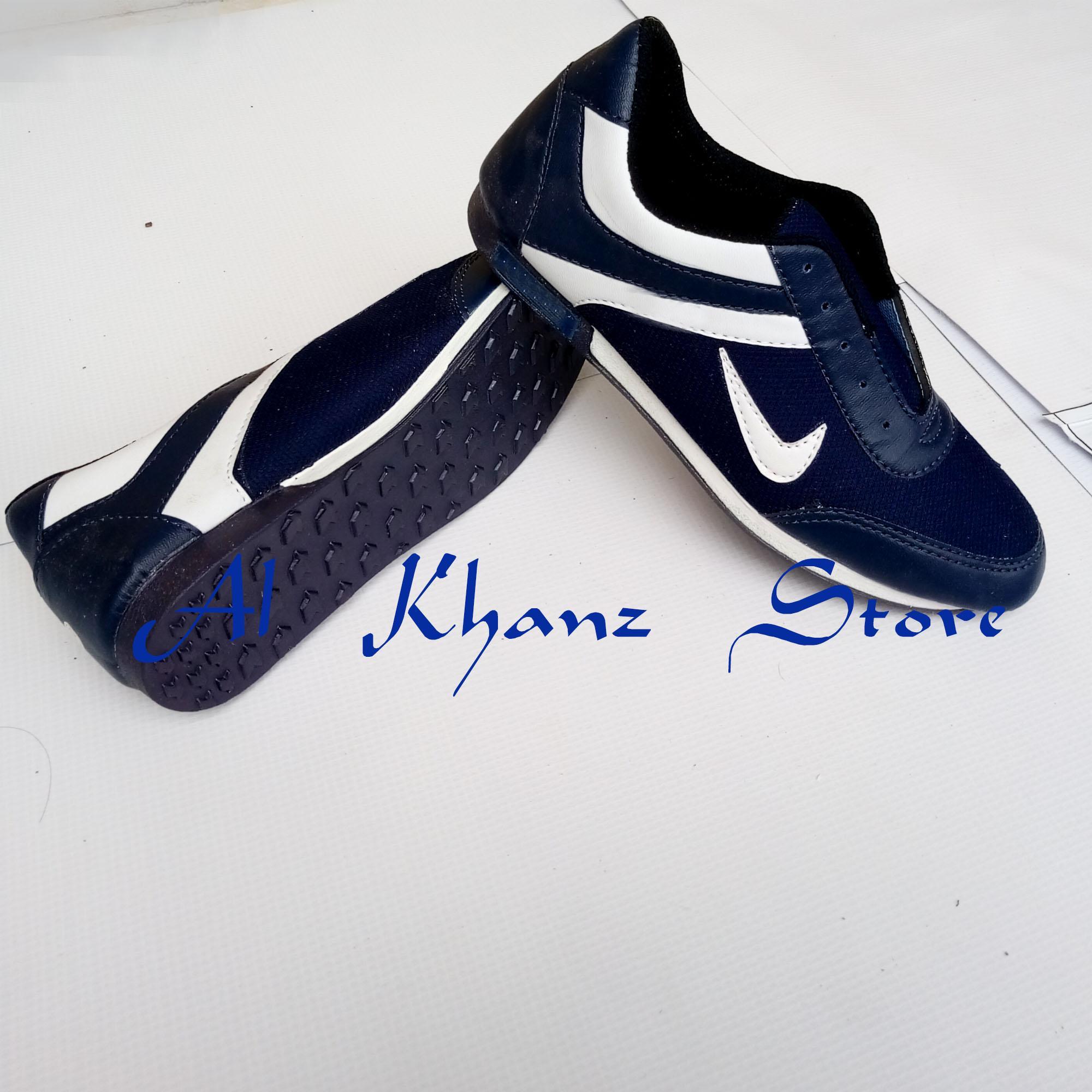 Kiss Shoop Spatu Sneakers Garis Dua Abu RN. IDR 50,900 IDR50900. View Detail. Sepatu Ceklis Garis dua Terbaru