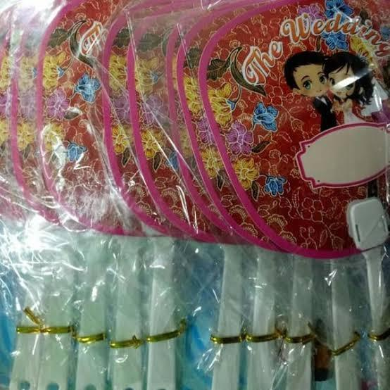 Souvenir Pernikahan Kipas weding Batik isi 100 pcs