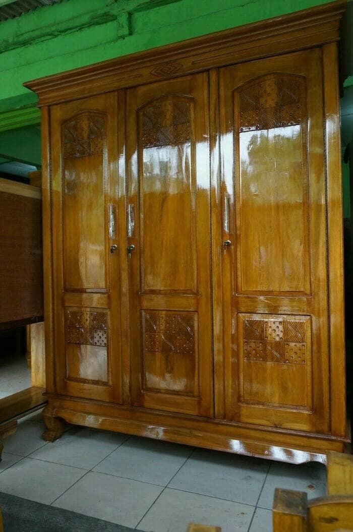 Promo    lemari pakaian 3 pintu kayu jati model swing    Original