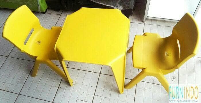 Meja dan Kursi Anak Olymplast 1 meja 2 kursi