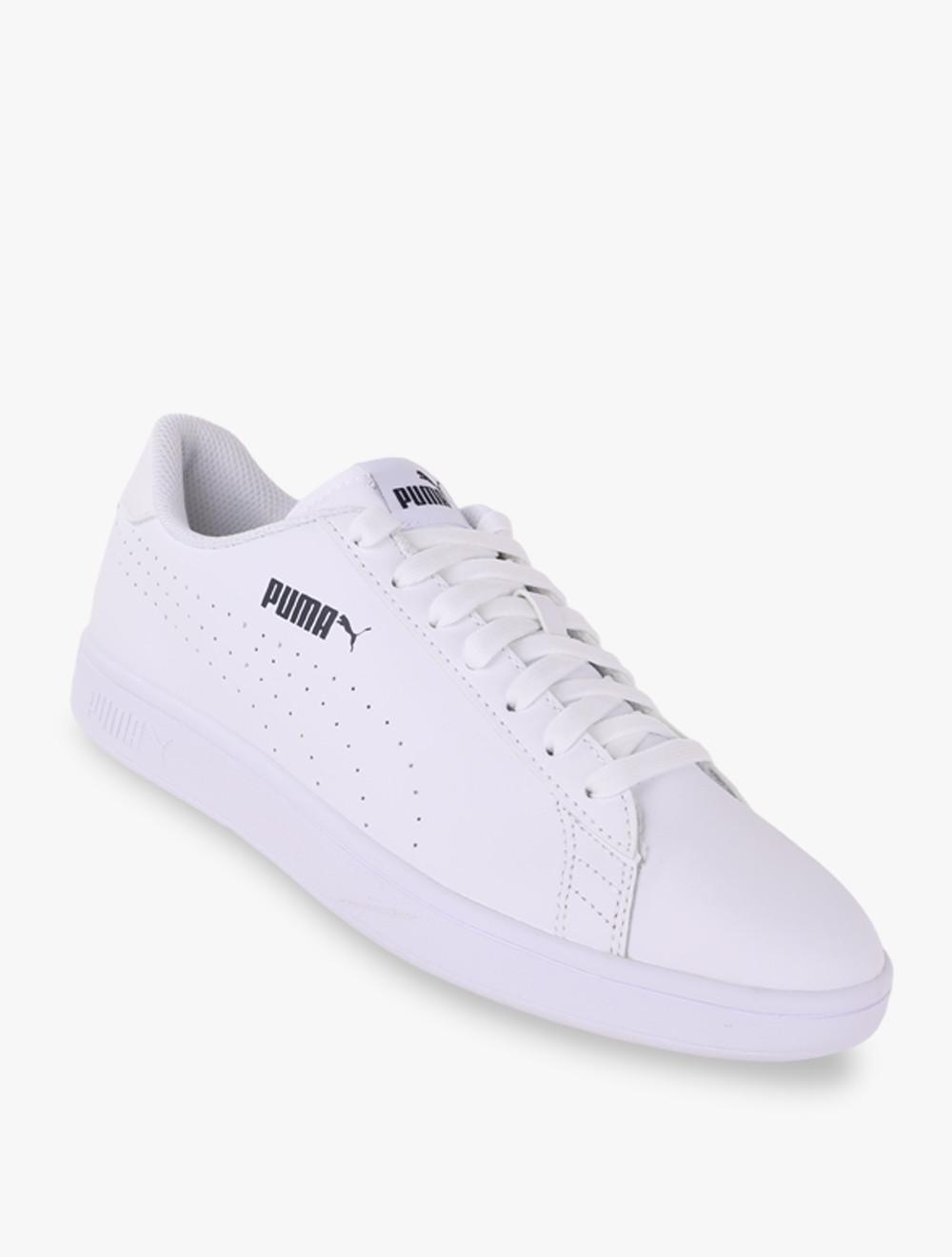 Puma Smash V2 L Perf - Sepatu Pria - Putih 2e5652112a