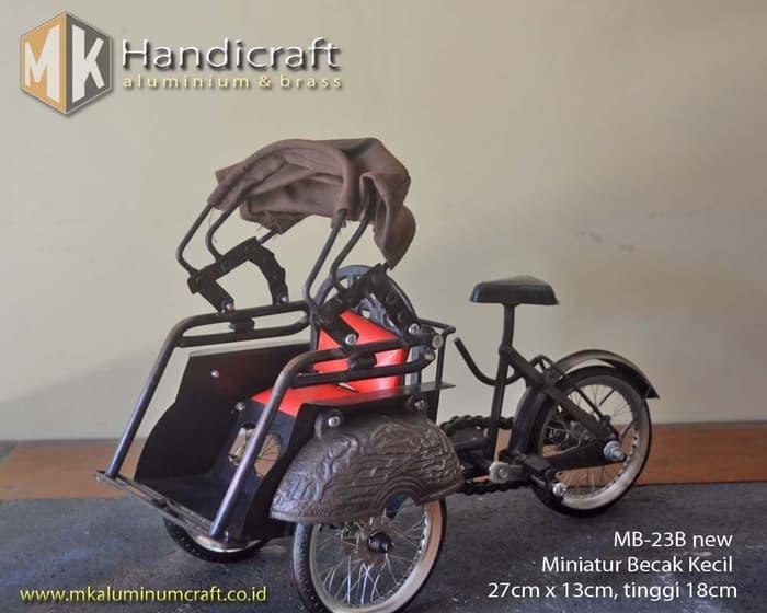 Terbaru!! Miniatur Becak Jogja Terbuat Dari Logam - ready stock