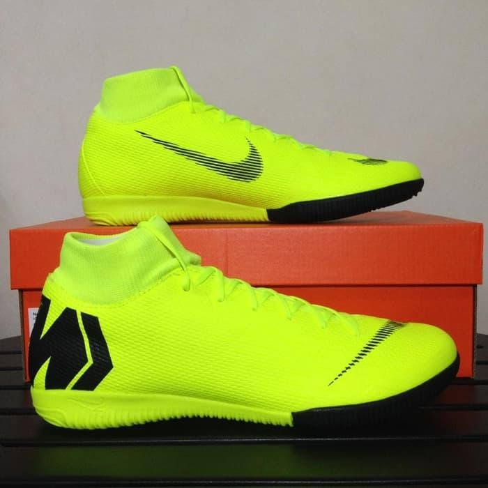63cd6e55f47 Sepatu Futsal Nike Superfly 6 Academy IC Volt Black AH7369-701 Original