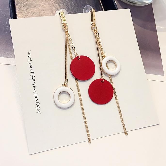 Warna Merah Anting-anting Korea Selatan Sederhana All-match Anting-anting Kepribadian Asimetris