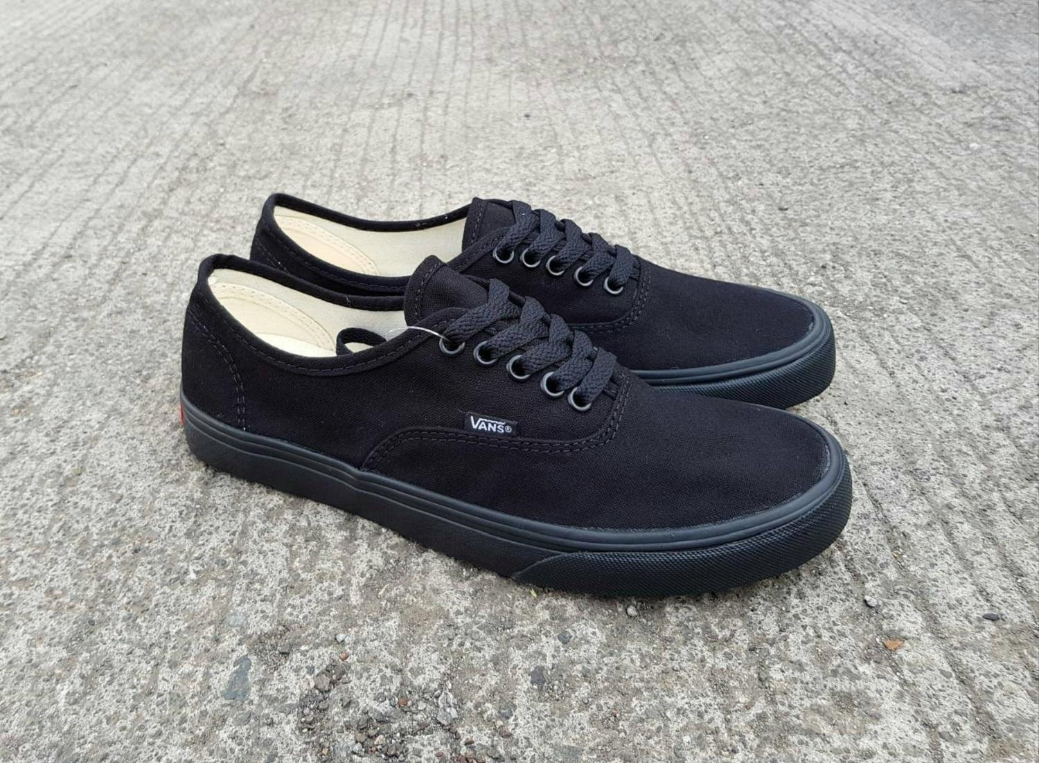 vns authentic all black wafle ifc