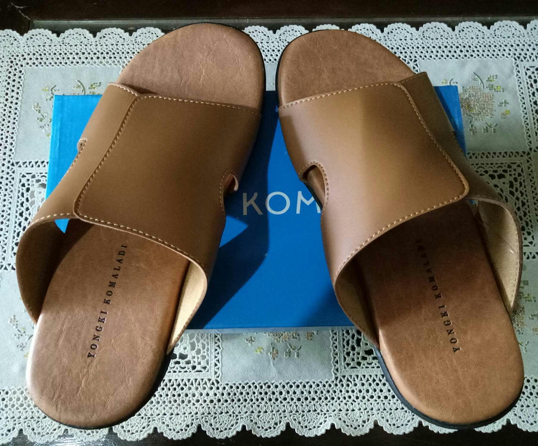 Yongki Komaladi Sandal Pria Wide Ban - Cokelat