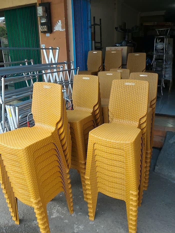 Kursi plastik kantin kursi makan cafe kafe kursi foodcourt pujasera
