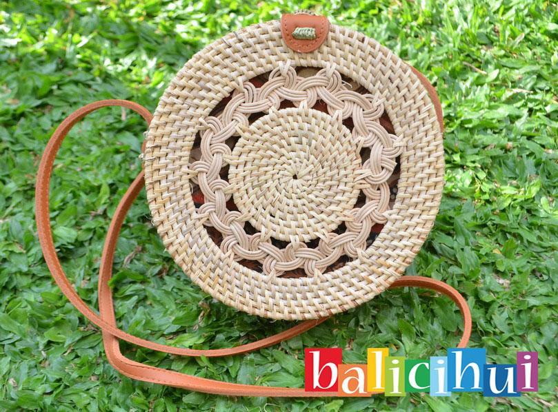 BALICIHUI TAS ROTAN GENDIT BALI NATURAL 20 cm / NATURAL RATTAN BAG