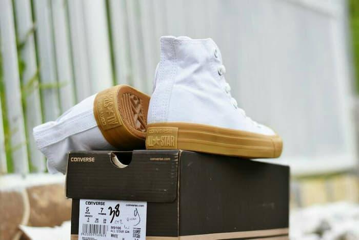 DISKON TERLARIS - Sepatu Converse Chuck Taylor II Premium BNIB / Putih / CH-09