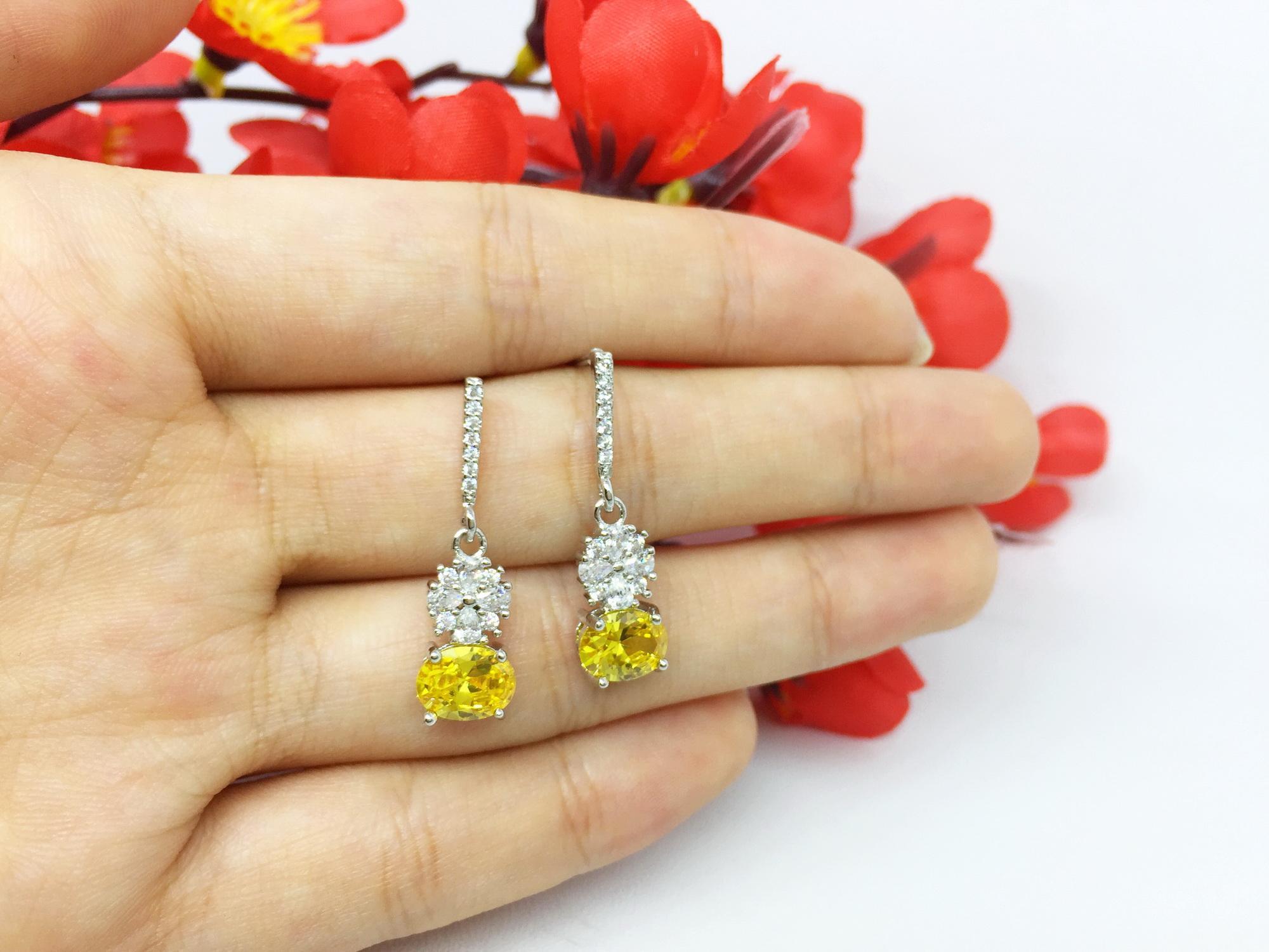 Anting Tusuk Lapis Emas Putih Silver Batu Kuning Imitasi Berlian