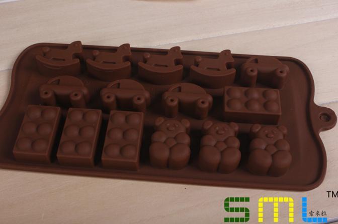 Cetakan Silikon Motif Kuda Kayu, Mobil, Balok Lego, dan Beruang Teddy