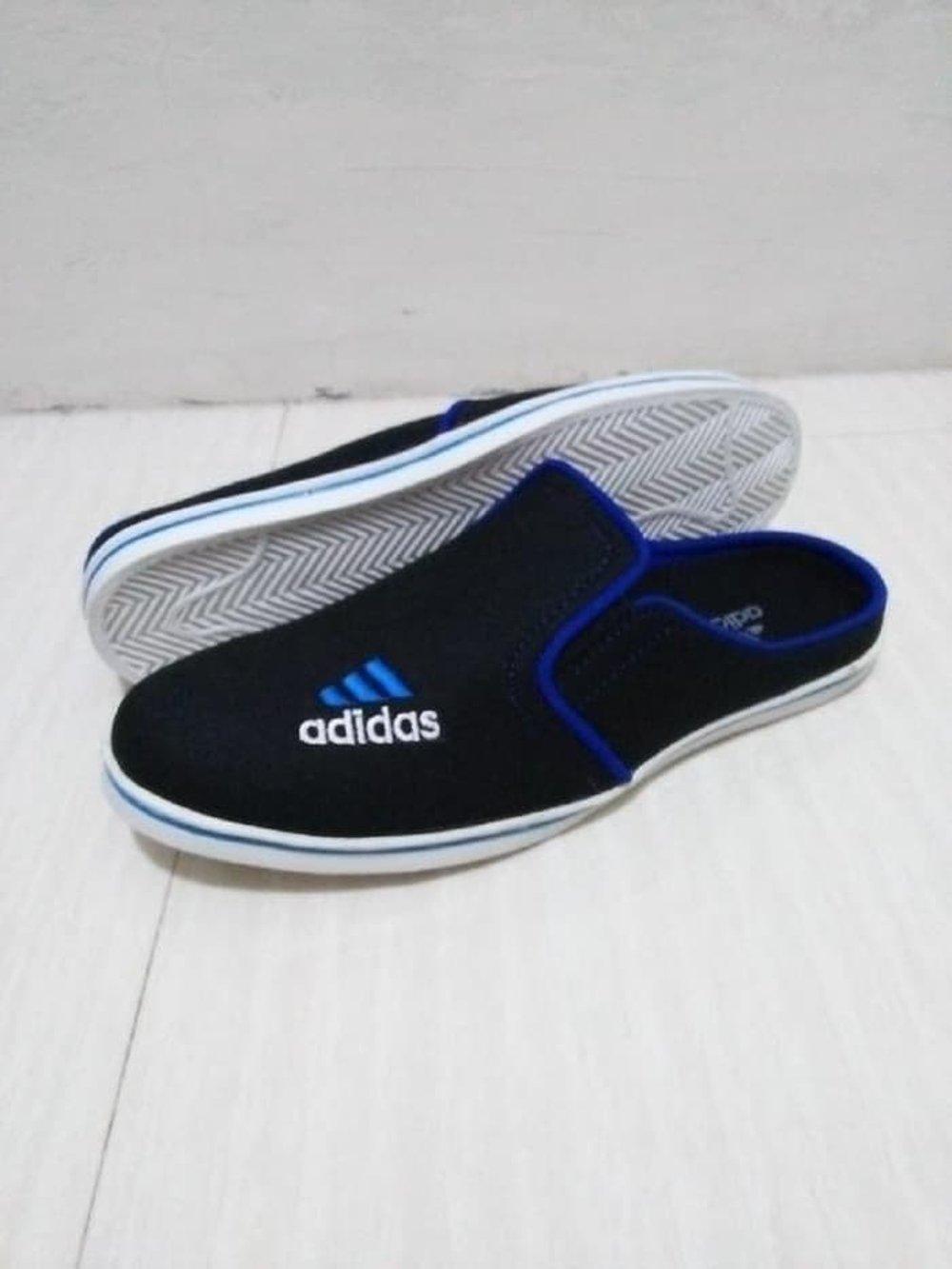 Sandal Slop Adidas Hitam Sepatu Slop Pria Santai Kerja Sekolah di lapak Risky jersy 99 rohmat_sahid