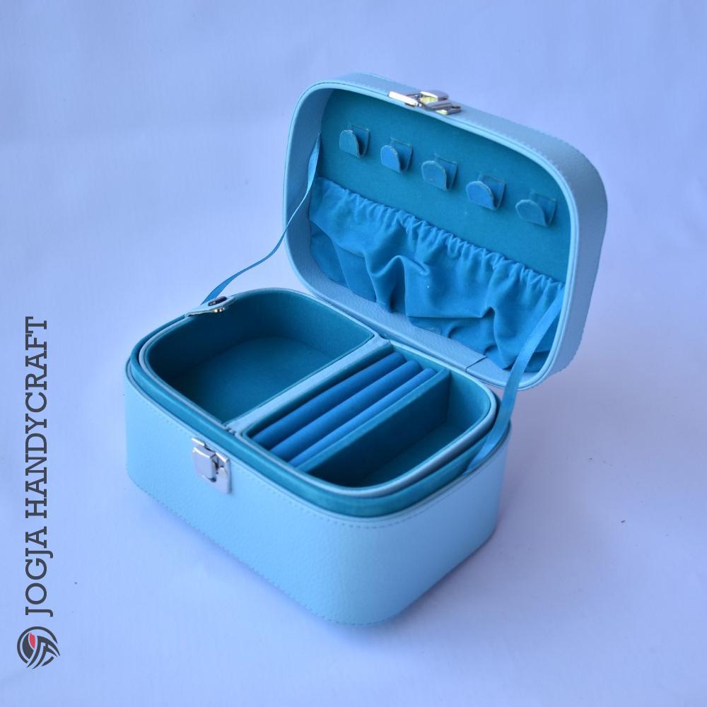 Jogja Craft Jewelry Box With Traveller Case / Kotak Tempat Perhiasan dan Accesories