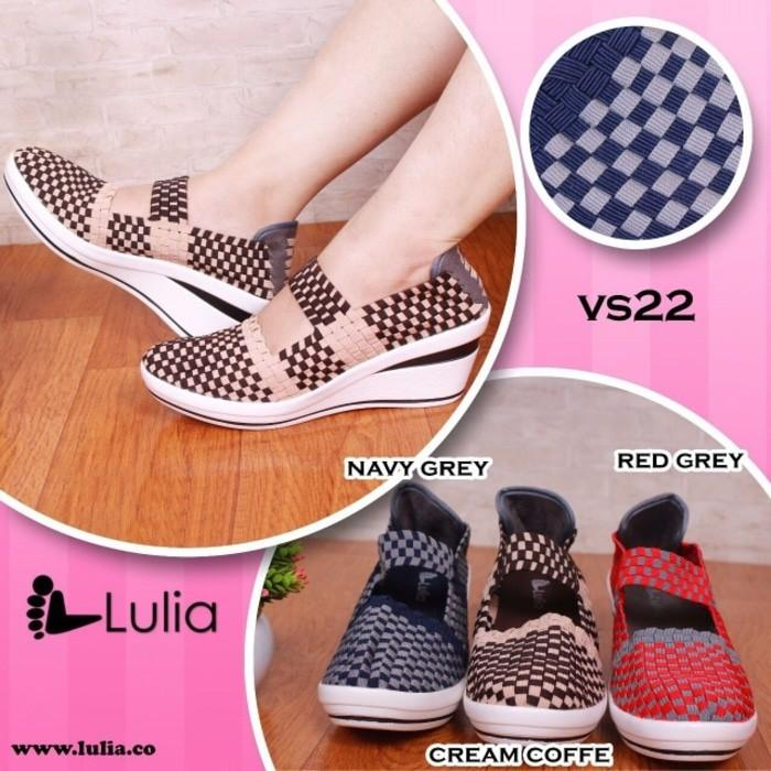 Promo Sepatu Anyaman Lulia Wedges Gratis Ongkir