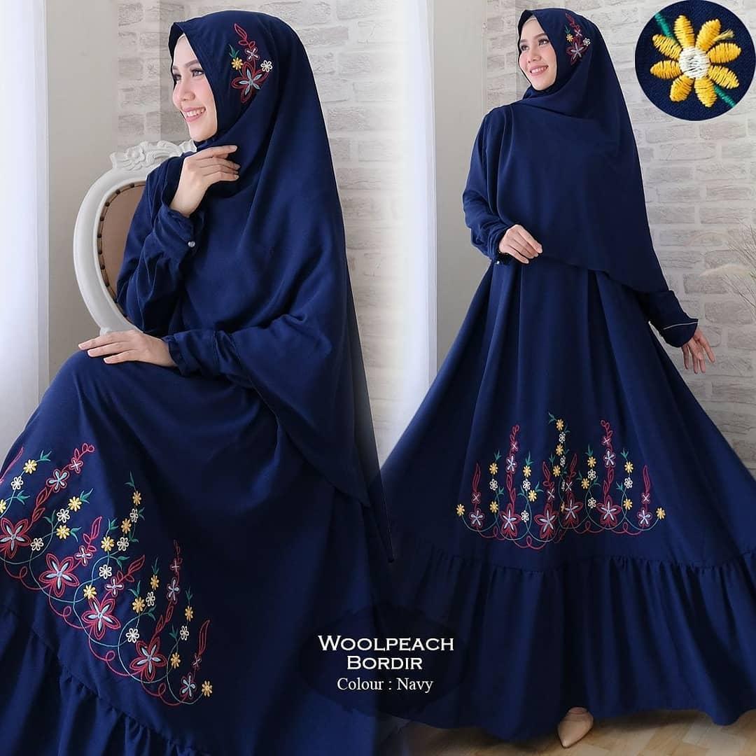 Media Fashion Shop - Baju Gamis Syari Wanita Muslim   Gamis woolpeach bordir - bahan gamis wolpeach kombinasi bordir ld 110 pjg 140 lebar bawah 4 m busui karet blkg ada kancing di tangan + bergo