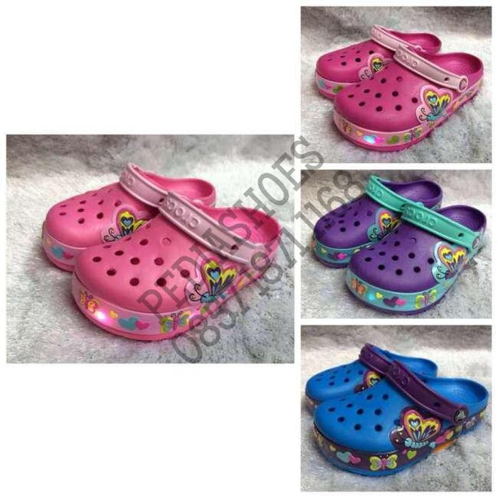 HARGA DISKON!!! (GARANSI TERMURAH) Sandal Anak Cewek Crocs Crocslights Butterfly Ori - rZuDDe