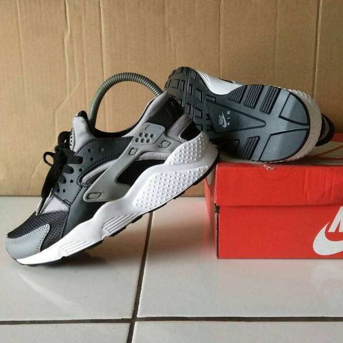 W Nike A. Huarache RN Ultra JCD PR Damen Sneaker 885019 001 Gr EUR 40 US 85 NEU