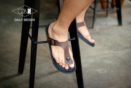 Goodness Daily Brown - Sandal Birkenstock Sandal Kasual Pria Santai Kulit Asli Murah Original Gaya Maskulin Pantai Sandal Rumah Sandal Jenpit Formal Casual
