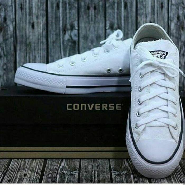 Sepatu sneakers converse all star putih-sepatu sekolah-sepatu gaul