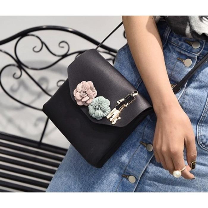 best seller- TAS SLING SHOULDER BAG HITAM MINI CLUTCH FLORAL SIMPLE CNK FOSSIL GOSH/ tas selempang gosh / tas import branded / tas gosh original
