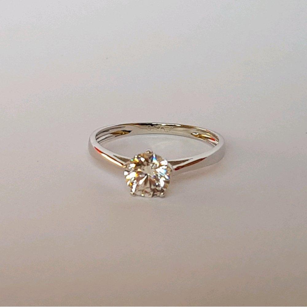 Cincin Emas Asli Kadar 750 Solitaire / Cincin Emas Putih / Cincin Tunangan / Ring Gold Jewelry / Perhiasan Emas