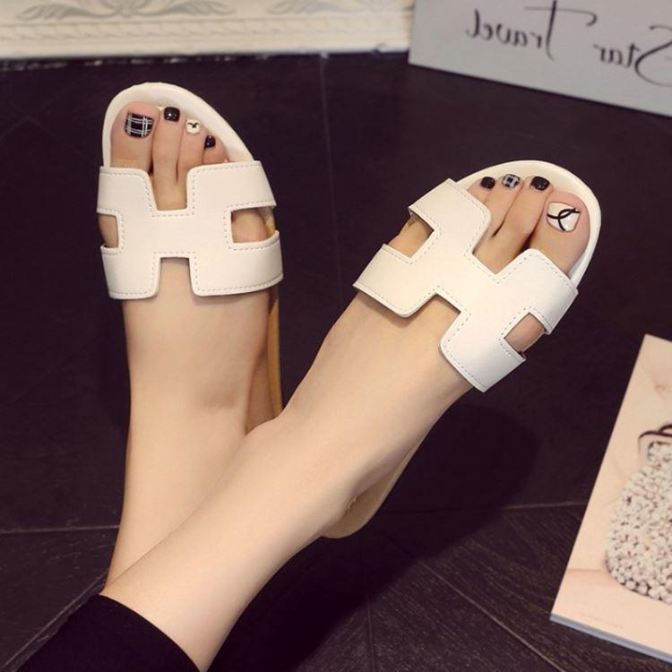 Sepatu Remaja Anak Perempuan Sandal Musim Panas SMP Siswa (Warna Putih Polos)