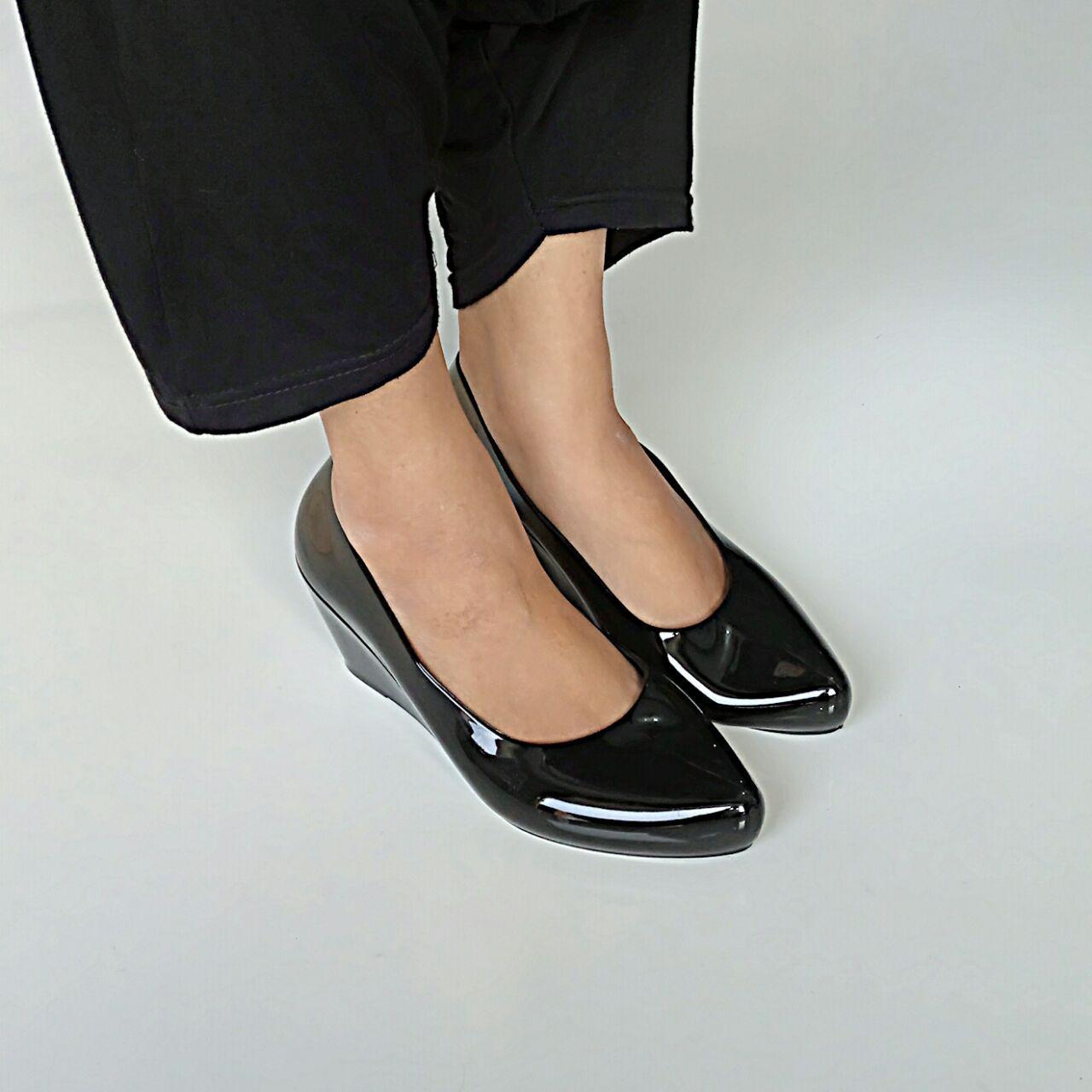 Ellen Taslim L-536 Jelly Wedges Impor Pantofel Hitam Glossy High Quality
