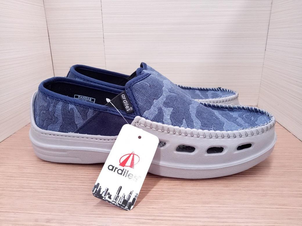 Ardiles Sepatu Pria Slip On Croc Ardiles Iconic Biru - Daftar Harga ... 8e4ef7efa9