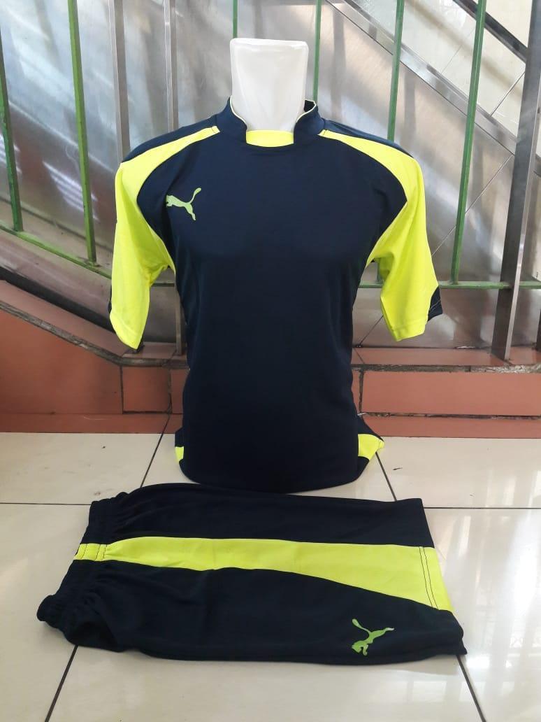 Jual Sepatu Futsal Pria Tebaru Setelan Baju Dan Celana Kucing Berkumis Bc Terbaru Jersey Bola 2018 2019