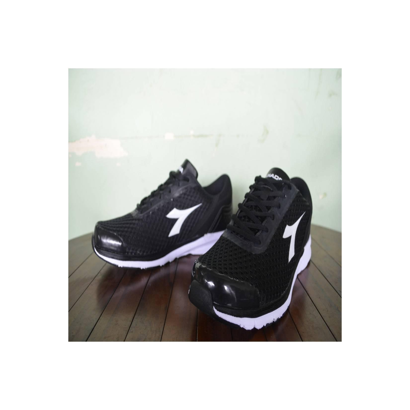 Sepatu Running / Olahraga Diadora Ensu Original, Murah (Not Nike,Puma)