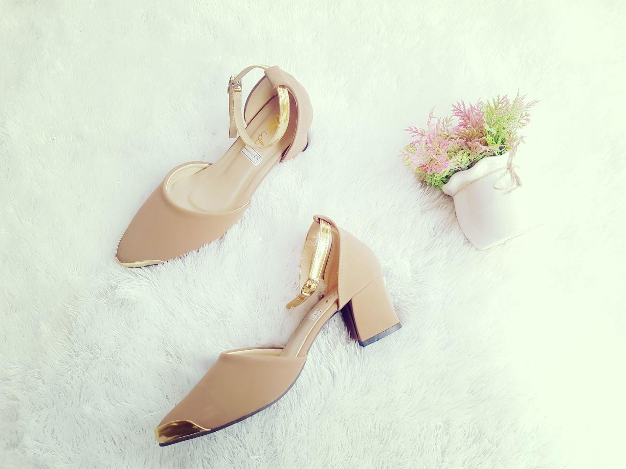 Pump Shoes - Pumps Wanita - Sepatu Heels Wanita Hak Tahu Gold Depan STR45