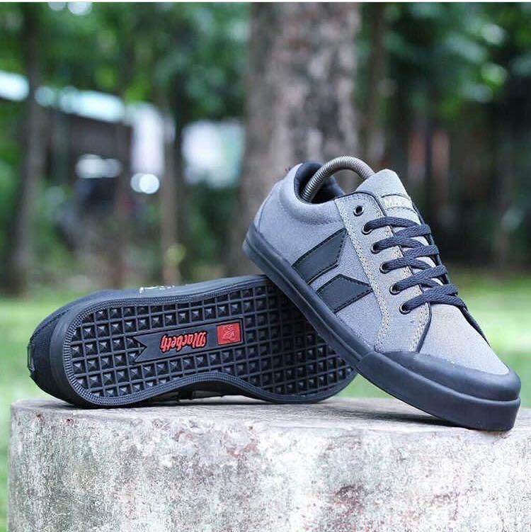 Sepatu Casual Macbeth Grey