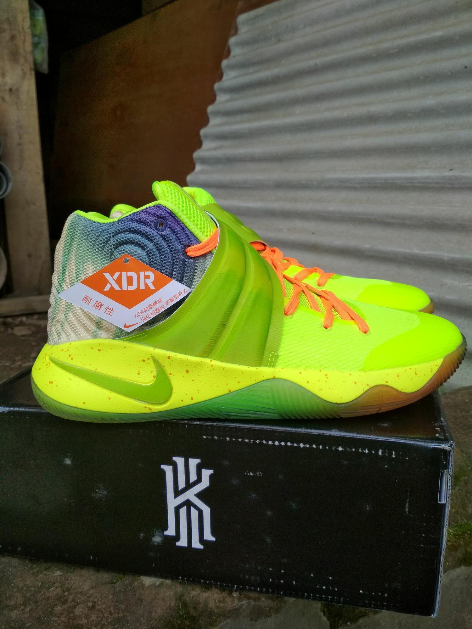 Sepatu Basket Pria