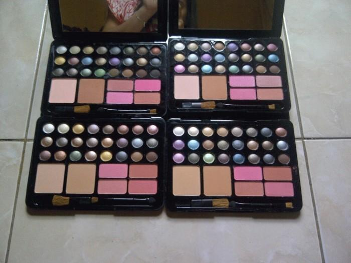 Mac up Kit 28 Eyeshadow+4 Blush+2 Powder