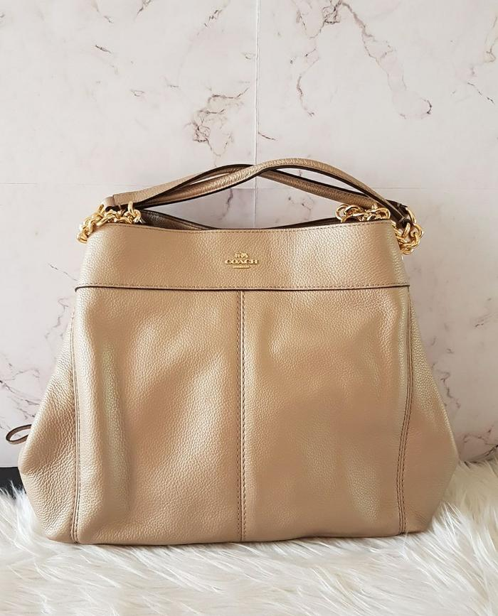 Coach Medium Lexi Shoulder Bag Chalk Leather GHW . Tas coach Original a61821f4e5
