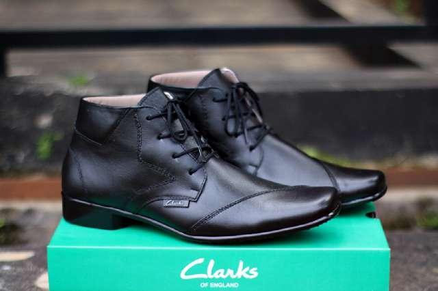 Sepatu Pantofel Pria Kulit Asli Clarks High Bintang Formal Kerja Kantoran Slop Casual - Free Kaos Kaki