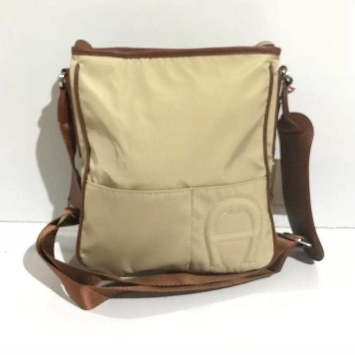 Promo Terbatas!! Tas Selempang Aigner Original  Aigner Crossbody Bag Sand - ready stoC-K