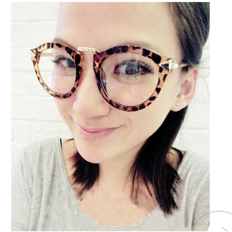 Frame Kacamata Versi Korea Tidak Berderajat Kacamata dengan Lensa Kacamata  Pria dan Wanita Model Pasang Retro 442b700d8f