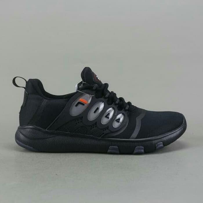 Big Size   Size Besar Sepatu Pria Casual Running FILA ORIGINAL BNIB - Hitam 6abd6ccff1