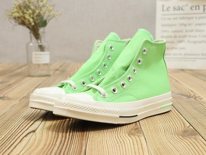 Produk Baru Asli Pria dan Wanita Sepatu Kets Converse Unisex Sepatu Datar Sepatu Kanvas Modis