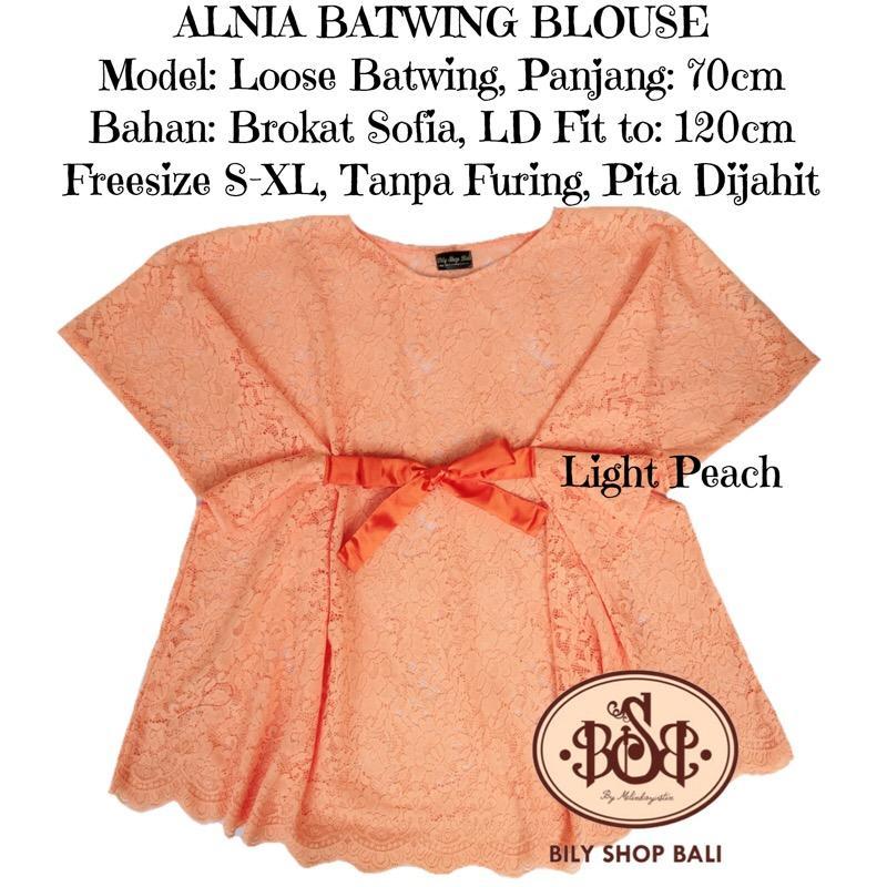 Cherry Kebaya Bali Murah Set Kain satin Songket Wayang Kuning dan atasan brokat. Source ·