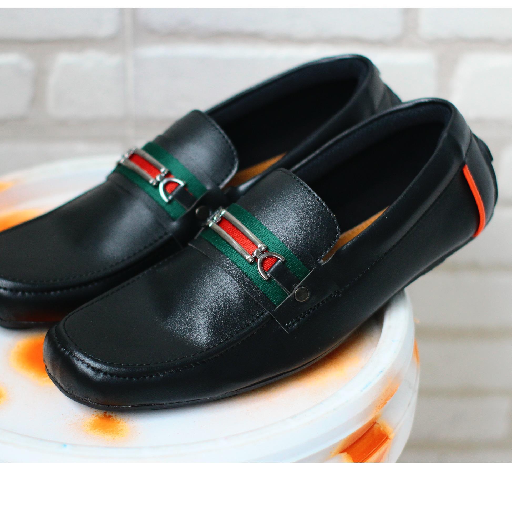 sepatu loafers pria/ sepatu guci slop / sepatu kasual slip on/ sepatu gucci pria / sepatu gesper casual kantor ( lokal )