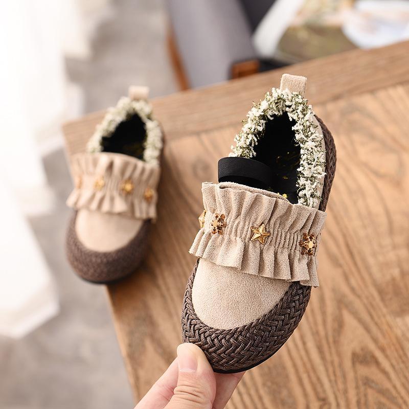 Anak prempuan Sepatu Kulit 2018 musim gugur musim dingin model baru Gaya  Korea anak perempuan sepatu 8bd34f98b3