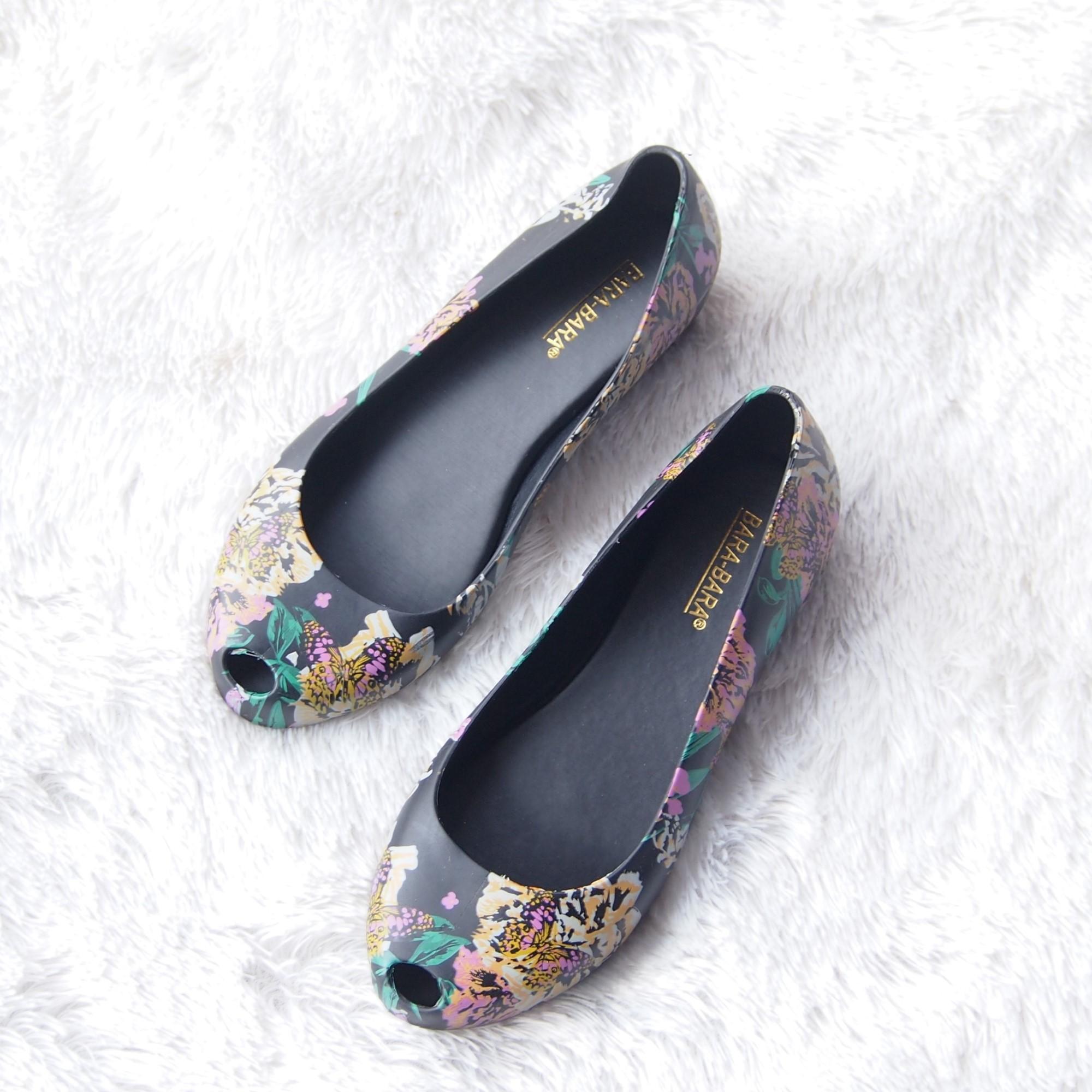 Harga Flat Shoes Jelly Wanita Sepatu Balet Bara Bara Motif Bunga 1838msb Warna Dikirim Random Harga Rp 54.600