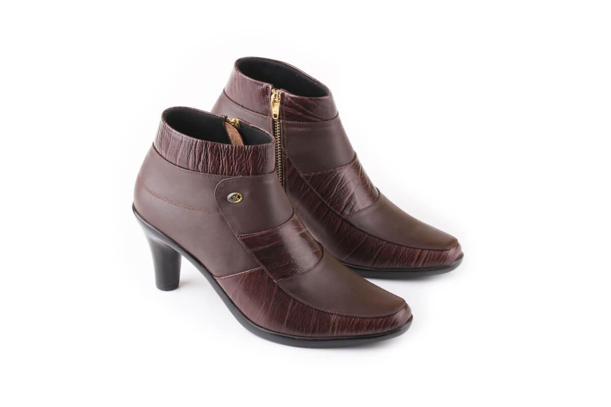 sepatu boot wanita/sepatu boot cewek/boot kerja/boot kuliah/boot kulit/sepatu boot cibaduyut