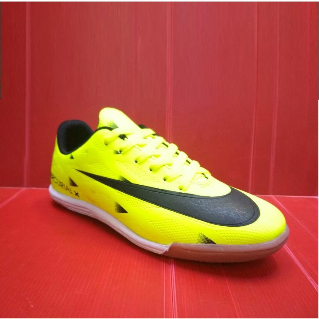 Jakarta Sneakers - Sepatu Futsal High Quality Sol Kuat & Tahan Lama (Bisa Bayar Di Tempat)