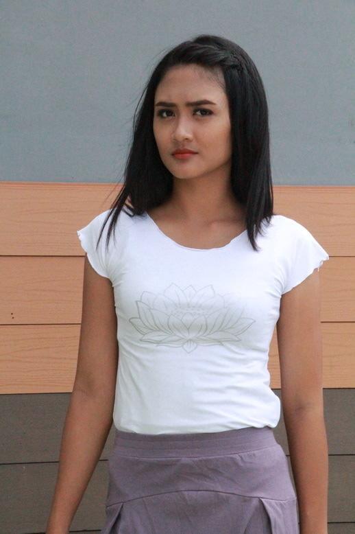 Baju Yoga Berlengan / Baju Yoga Tshirt Lotus Warna Putih