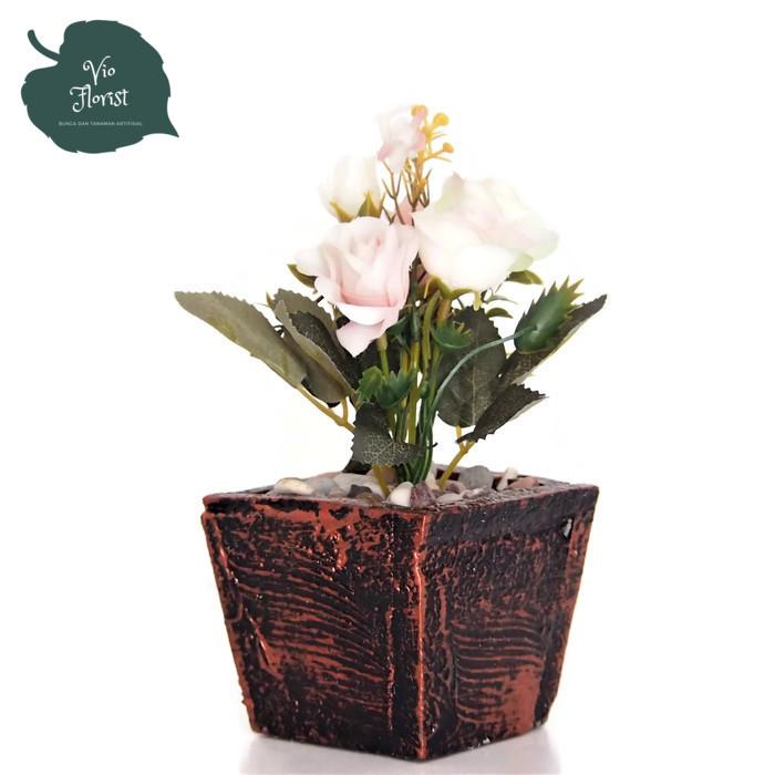 Bunga Hiasan Artificial - Bunga Pajangan Meja Kantor Dan Rumah - Bunga Mini  Italy Pot Kayu 5441de0832