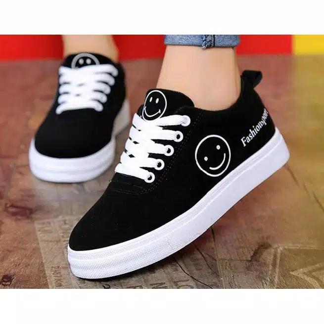 DISTROBOGOR Sepatu Kets sneakers Wanita/Pria Smile FULL Hitam- Sepatu Murah